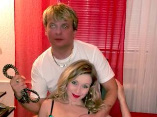 Anal-Sex, Devot, Dominant, Fesselspiele, Oralsex, Rollenspiele, Schlucken, Sexspielzeug, Spanking, Dominant, Hart, Tabulos, Verspielt, Devot