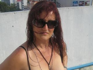 Anal-Sex, Exhibitionismus, Natursekt, Oralsex, Outdoor, Parkplatz-Sex, Pornographie, Sexspielzeug, Voyeurismus, Live-Dates, Dominant, Frech, Humorvoll, Neugierig, Tabulos