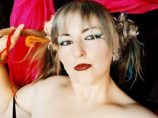 Anal-Sex, Devot, Dominant, Fesselspiele, Natursekt, Oralsex, Sexspielzeug, SM-Sex, Voyeurismus, Dominant, Frech, Tabulos, Devot