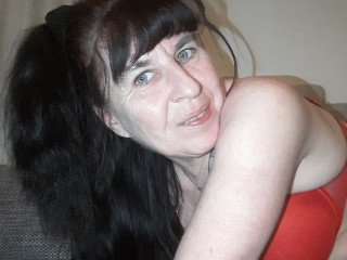 Devot, Oralsex, Outdoor, Piercing, Schlucken, Swinger, Tattoos, Voyeurismus,
