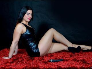 Anal-Sex, Lack und Leder, Natursekt, Oralsex, Rollenspiele, Schlucken, Sexspielzeug, Voyeurismus, Hart, Humorvoll, Naiv, Romantisch, Verspielt