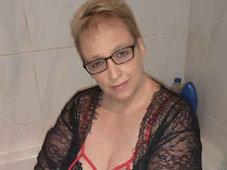 Devot, Oralsex, Outdoor, Rollenspiele, Schlucken, Swinger,
