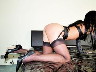 Anal-Sex, Dominant, Fetisch, Lack und Leder, Oralsex, Outdoor, Parkplatz-Sex, Sexspielzeug, Voyeurismus, Live-Dates, Dominant, Ehrlich, Neugierig, Zuverlässig