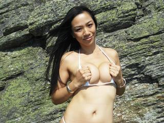 Anal-Sex, Gangbang, Oralsex, Outdoor, Pornographie, Schlucken, Sexspielzeug, Tattoos, Voyeurismus, Frech, Neugierig, Romantisch, Sinnlich, Tabulos