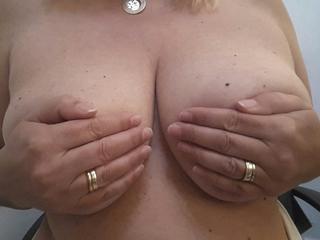 Anal-Sex, Gruppensex, Intimschmuck, Oralsex, Outdoor, Parkplatz-Sex, Piercing, Rollenspiele, Tattoos, Live-Dates,