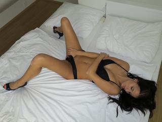 Anal-Sex, Dominant, Oralsex, Outdoor, Piercing, Rollenspiele, Sexspielzeug, Voyeurismus, Frech, Humorvoll, Verspielt, Zickig, Zärtlich