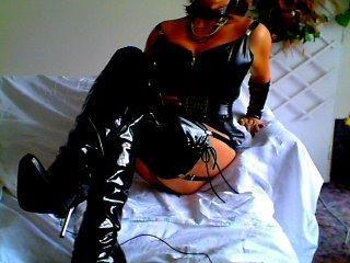 Anal-Sex, Devot, Fesselspiele, Fetisch, Lack und Leder, Oralsex, Pornographie, SM-Sex, Swinger, Wachs-Spiele, Ehrlich, Hart, Schüchtern, Zuverlässig, Devot