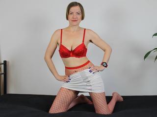 Anal-Sex, Exhibitionismus, Fetisch, Oralsex, Orgien, Rollenspiele, Schlucken, Sexspielzeug, Voyeurismus, Humorvoll, Neugierig, Romantisch, Sinnlich, Verspielt