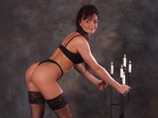 Anal-Sex, Fesselspiele, Lack und Leder, Oralsex, Outdoor, Rollenspiele, Sexspielzeug, Swinger, Live-Dates, Humorvoll, Neugierig, Sinnlich, Tabulos, Zuverlässig