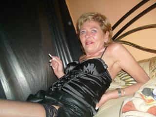 Anal-Sex, Fetisch, Oralsex, Outdoor, Schlucken, Sexspielzeug, Tattoos, Live-Dates, Ehrlich, Frech, Humorvoll, Zuverlässig, Zärtlich