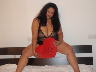 Anal-Sex, Oralsex, Orgien, Schlucken, Sexspielzeug, Hart, Humorvoll, Neugierig, Verspielt