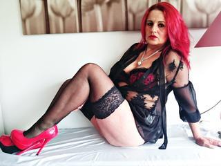 Anal-Sex, Dominant, Lack und Leder, Oralsex, Pornographie, Rollenspiele, Schlucken, Sexspielzeug, SM-Sex, Dominant, Frech, Humorvoll, Sinnlich, Tabulos