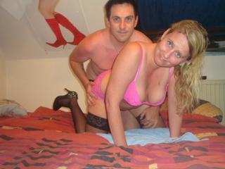 Anal-Sex, Oralsex, Outdoor, Parkplatz-Sex, Rollenspiele, Schlucken, Sexspielzeug, Swinger, Voyeurismus, Frech, Neugierig, Romantisch, Verspielt, Zärtlich