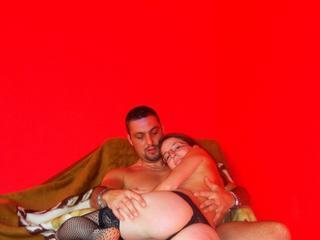 Anal-Sex, Fesselspiele, Fetisch, Oralsex, Piercing, Rollenspiele, Schlucken, Swinger, Tattoos, Voyeurismus, Hart, Humorvoll, Romantisch, Verspielt