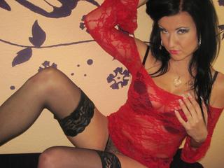 Anal-Sex, Exhibitionismus, Fesselspiele, Natursekt, Oralsex, Orgien, Rollenspiele, Schlucken, Sexspielzeug, Spanking, Frech, Humorvoll, Sinnlich, Tabulos, Verspielt