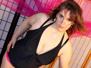 Anal-Sex, Exhibitionismus, Oralsex, Rollenspiele, Schlucken, Sexspielzeug, SM-Sex, Voyeurismus, Ehrlich, Neugierig, Sinnlich, Verspielt, Zuverlässig