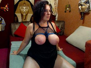 Anal-Sex, Dominant, Gangbang, Gruppensex, Kaviar, Oralsex, Outdoor, Pornographie, SM-Sex, Spanking,