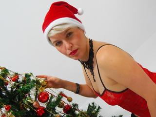 Anal-Sex, Exhibitionismus, Fesselspiele, Natursekt, Oralsex, Rollenspiele, Schlucken, Sexspielzeug, Spanking, Voyeurismus, Frech, Humorvoll, Sinnlich, Tabulos, Verspielt