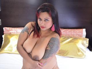 Anal-Sex, Devot, Oralsex, Rollenspiele, Schlucken, SM-Sex, Spanking, Tattoos, Voyeurismus, Naiv, Neugierig, Tabulos, Weich, Devot