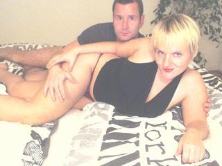 Anal-Sex, Devot, Natursekt, Oralsex, Pornographie, Schlucken, Sexspielzeug, Voyeurismus, Live-Dates, Frech, Hart, Neugierig, Zuverlässig, Devot
