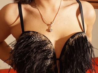 Fesselspiele, Lack und Leder, Natursekt, Oralsex, Sexspielzeug, Live-Dates, Humorvoll, Neugierig, Tabulos, Devot