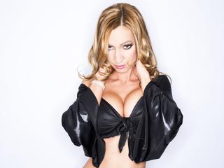 Anal-Sex, Dominant, Lack und Leder, Oralsex, Piercing, Rollenspiele, Sexspielzeug, SM-Sex, Dominant, Hart, Neugierig, Tabulos, Verspielt
