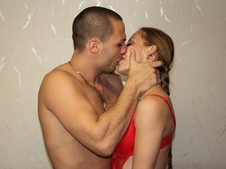 Anal-Sex, Dominant, Fesselspiele, Lack und Leder, Oralsex, Piercing, Schlucken, Sexspielzeug, Spanking,